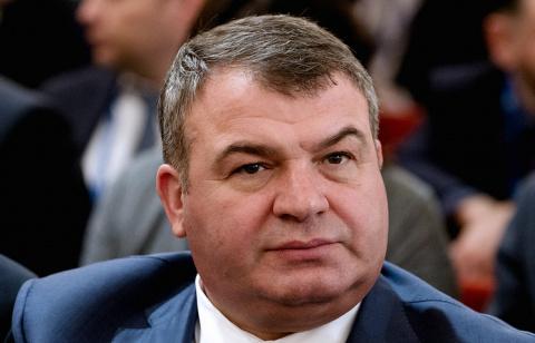 """Правительство выдвинуло экс-министра обороны Сердюкова в совет директоров """"Объединенной авиастроительной корпорации"""""""