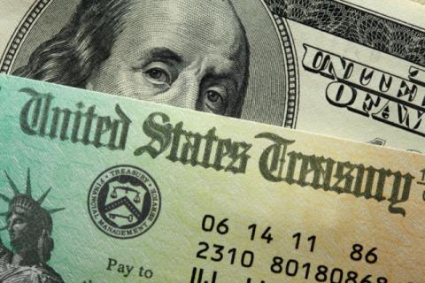 Центральные банки по всему миру избавляются от госдолга США
