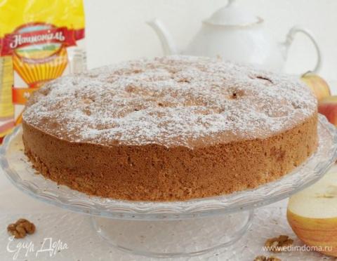 Бисквитный пирог с яблоками …
