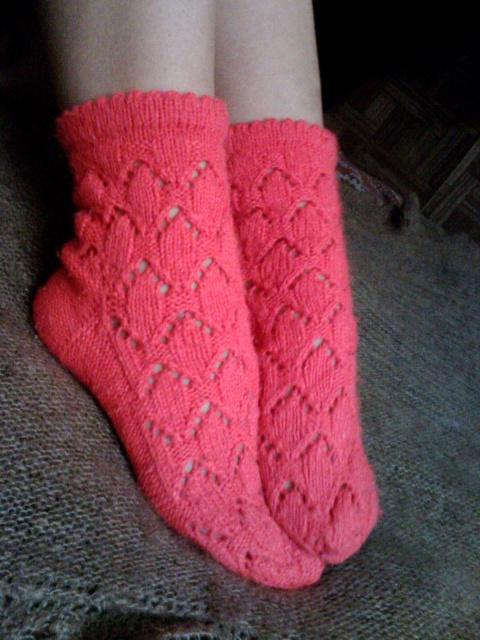 боковой части носка.