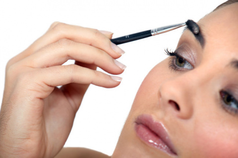 Хранение средств для макияжа…