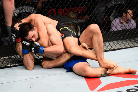 UFC on Fox 21. Майя задушил …