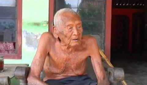 Дедушка, утверждающий, что ему 145 лет, рассказал секрет своего долголетия