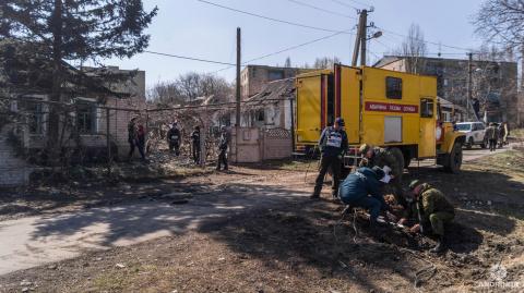 Последствия ночного обстрела Донецка: «Стреляли с Песок»