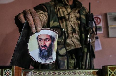 """Америка поражена богом"" : сын ""террориста №1» Бен Ладена грозит США новыми терактами"