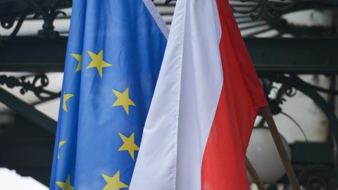 ЕС объявляет Польше войну. Санкции приготовить!!!