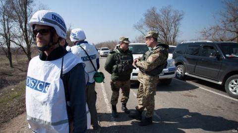Кучма предложил ввести наблюдателей в Крым: «Слушайте, давайте пускайте миссию ОБСЕ»