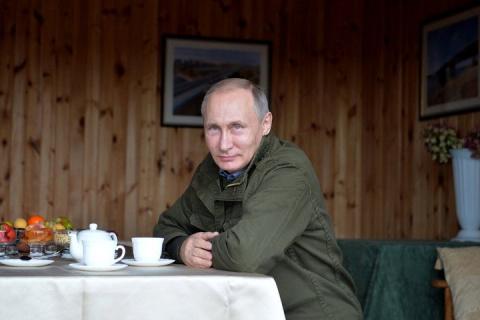 Путин. Везение с неба не падает...