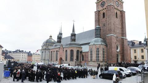 Европейская толерантность: в Швеции решили больше не считать Бога мужчиной
