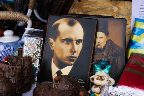 В угоду Польше Киев отказыва…