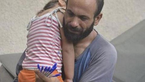 Этот мужчина с дочерью прода…
