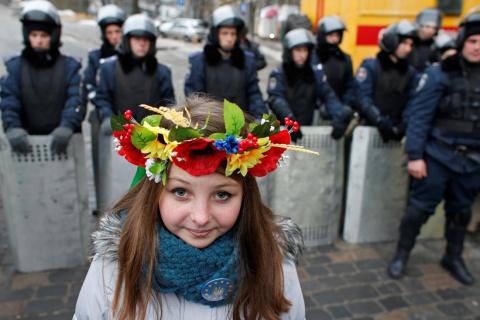 """""""Украина совершенно права, что запретила своим гражданам доступ в эти соцсети.Я не понимаю, почему об этом запрете вопят в России?"""" Лена Миро"""