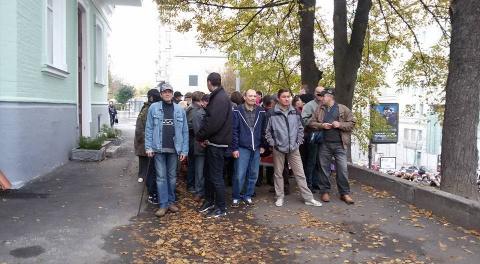 В центре Киева митингующие н…