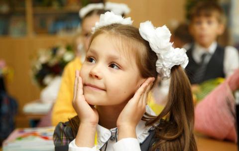 Маленькая девочка гениально …