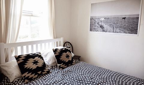 10 способов сделать из маленькой спальни большую