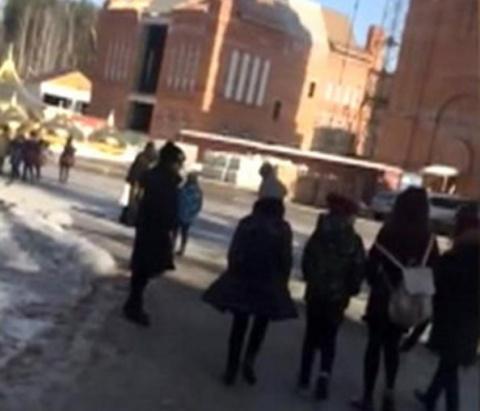 Обряд изгнания дьявола в Среднеуральском монастыре напугал школьников