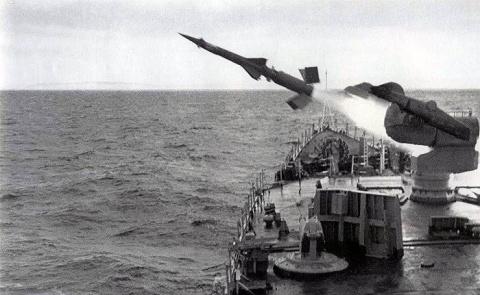 Корабельный зенитно-ракетный…