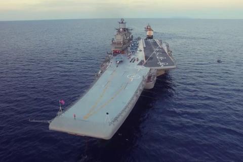 «Адмирала Кузнецова» встрети…