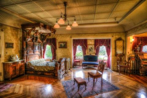 Дом 19 века, построенный призраками, с дверями в никуда! Это жуть в чистом виде!