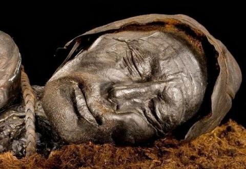«Болотные люди»: 10 древних …