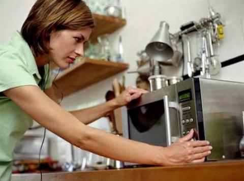 6 гениальных трюков для микроволновки, которые облегчают жизнь!