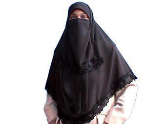 Стало известно, зачем женщина в хиджабе преследовала Аллу Пугачеву