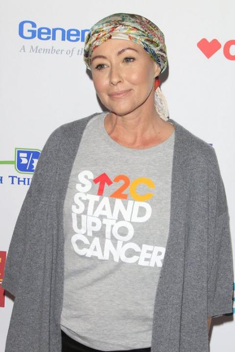 Заболевшая раком Шеннен Доэр…