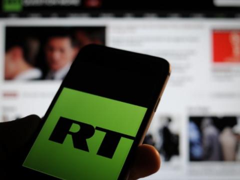 Журналиста RTFrance выгнали сбрифинга Макрона вЕлисейском дворце