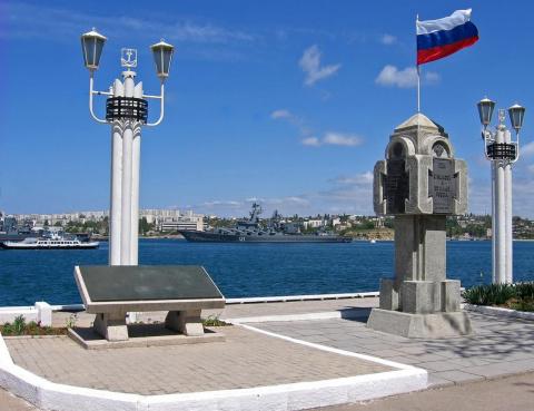 В Кремле отказались заключат…