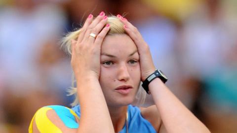 Чужая среди чужих. Экс-украинка Вера Ребрик просится выступать под нейтральным флагом
