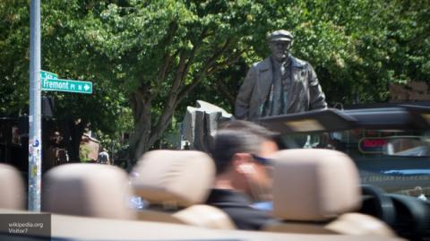 В этом нет никакого смысла, выглядит безумием - эксперт о сносе памятника Ленину в Сиэтле