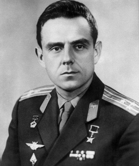 Владимир Михайлович Комаров – советский летчик-космонавт, дважды Герой Советского Союза