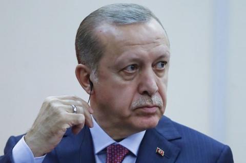 Эрдоган не принял извинений НАТО после инцидента с портретом Ататюрка