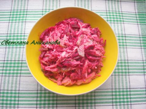 Салат деревенский со свеклой