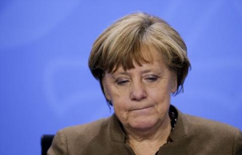 Меркель признала ошибки в ра…
