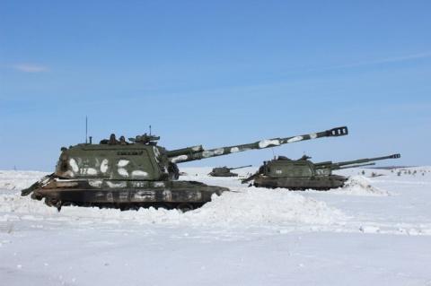 Артиллеристы ЗВО в Подмосковье получили новые гаубицы «Мста-СМ» и РСЗО «Ураган»