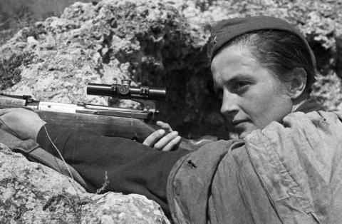 Советские женщины-снайперы: …