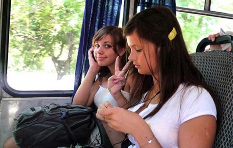 10 девушек, с которыми тяжело ездить в общественном транспорте