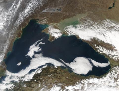 Воды Черного моря бороздят неизвестные подводные объекты