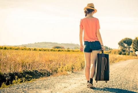 О чем говорит большая сумка у женщины? Говорящий предмет гардероба