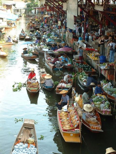 Плавучий рынок Damnoen Sadua…
