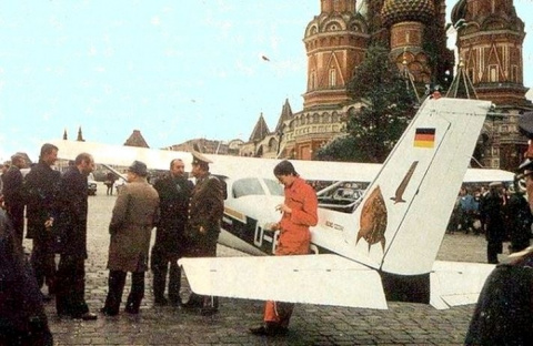 Почему Матиас Руст прилетел на Красную площадь