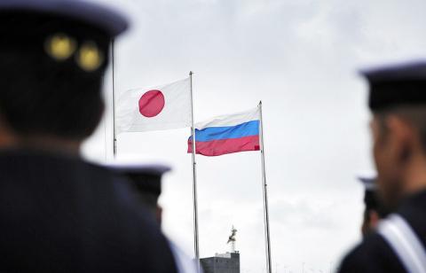 Япония будет помогать РФ экономически и без прогресса по территориальному вопросу