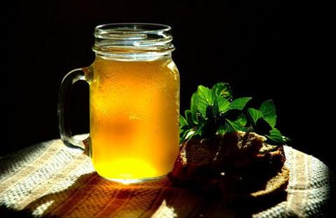Как настоять самогон на меду