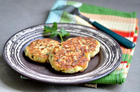 Творожники с картошкой, сыром и зеленью