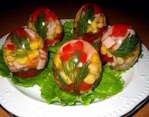 Крутая идея к празднику Пасха: заливные яйца