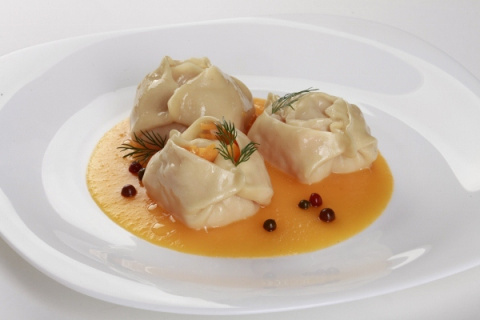 Манты с тыквой сыром и беконом (мастер класс по лепке)