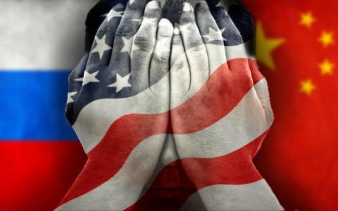 Китай дал по рукам США из-за России