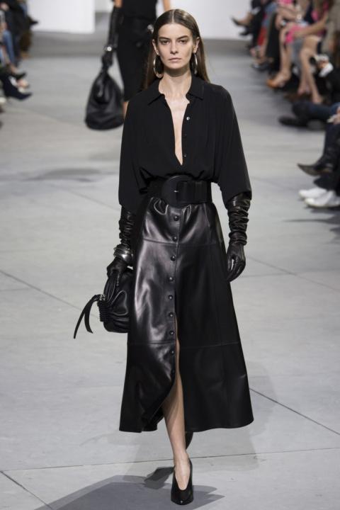 В стиле нуар: 10 кожаных юбок на любой вкус