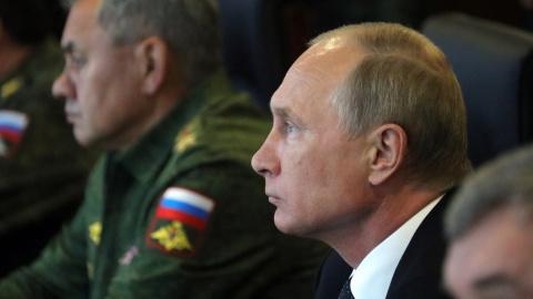 Путин поздравил сотрудников …